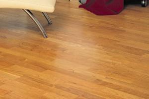 Pokládka laminátové podlahy cena